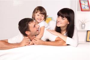 Famiglia con infissi in PVC