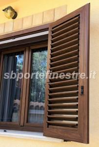 Infissi in pvc effetto legno belli come gli infissi in legno for Infissi pvc legno