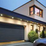 Portoni per garage con porta
